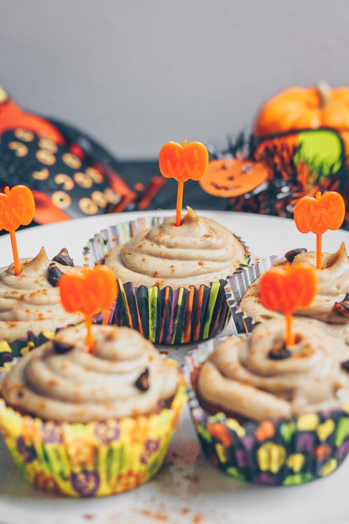 halloween carrot cupcakes
