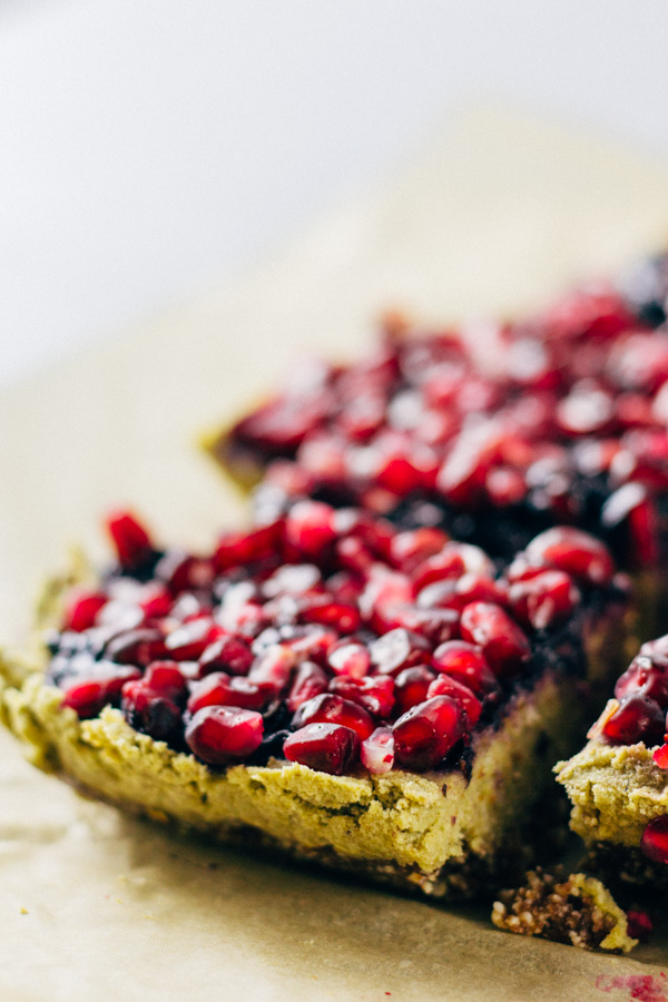 Vegan Pomegranate Blueberry Matcha Cake Bites | SproutingZen.com