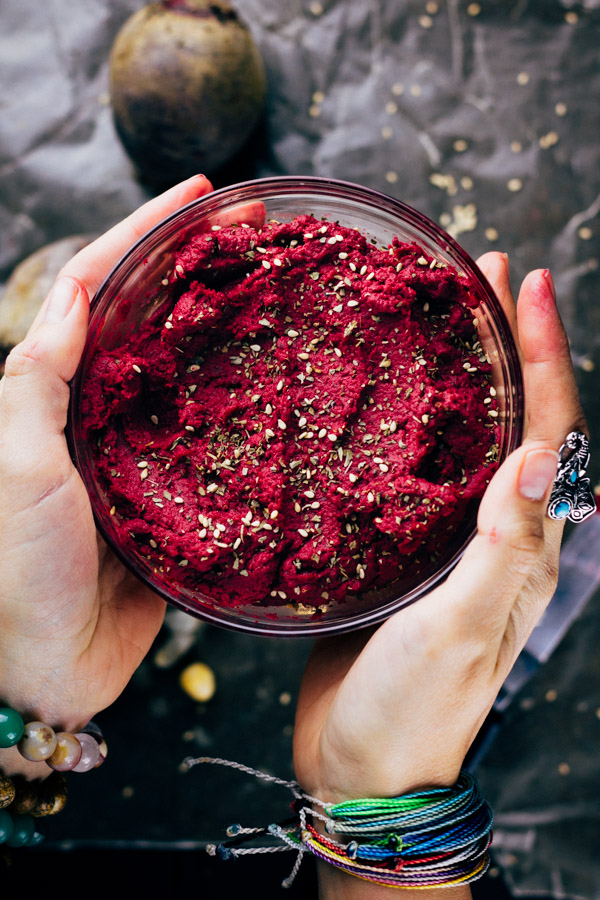 Roasted Beet Hummus Recipe Oil free | Sproutingzen.com