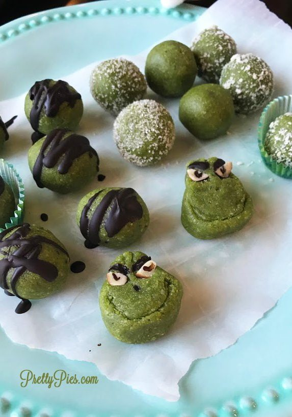 3-1-Peppermint-Grinch-Pops-PrettyPies
