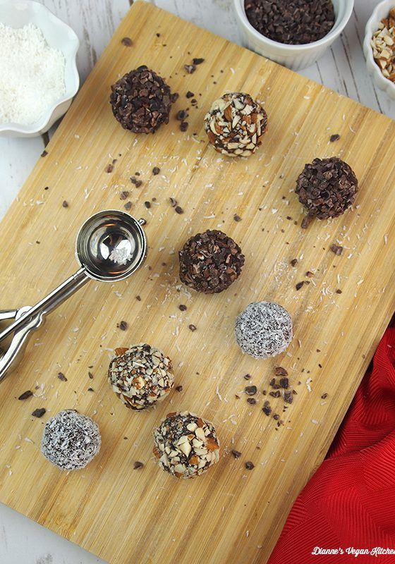 Chocolate-Almond-Date-Truffles-4