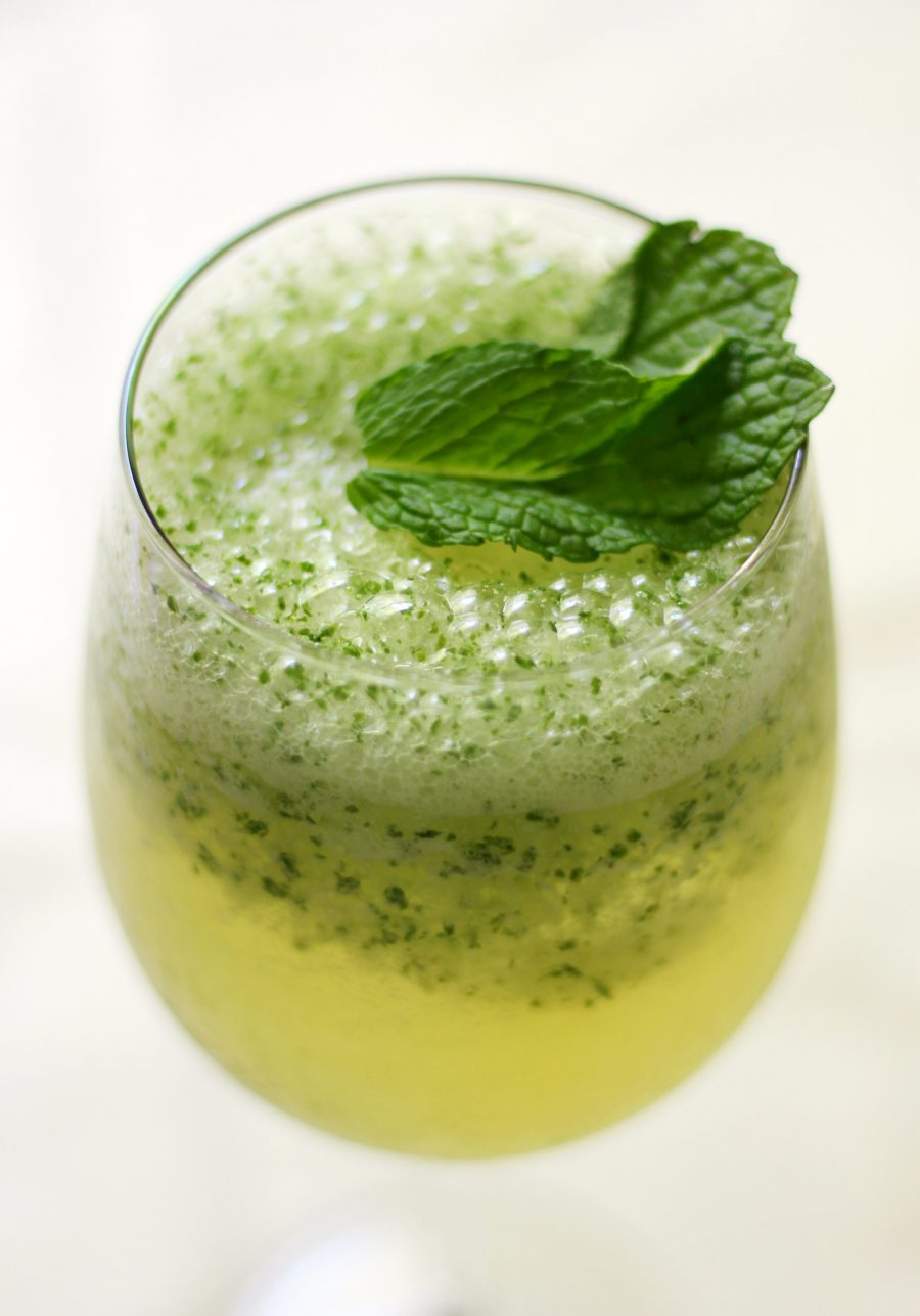 Frosty-Coconut-Green-Tea-Mocktail-3