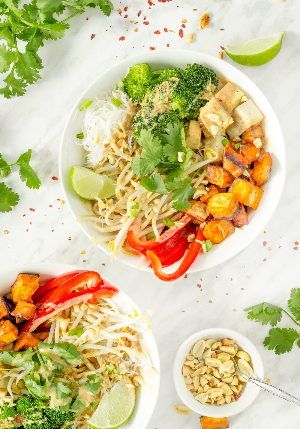 Thai-Buddha-Bowl-with-Peanut-Sauce-
