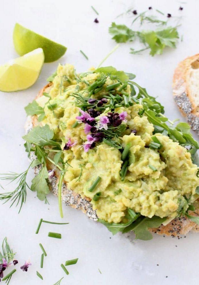 Vegan-Chickpea-Tuna-Salad-with-Avocado