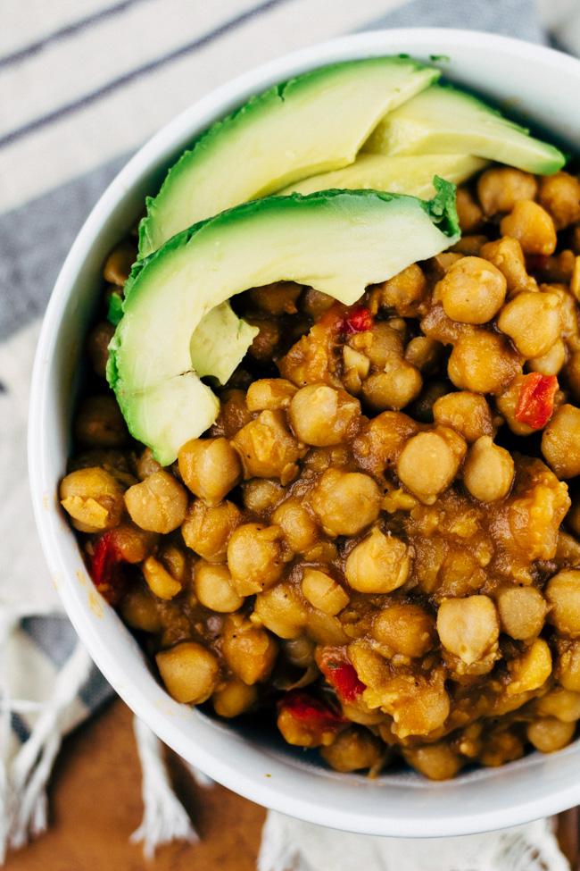 how do garbanzo beans grow