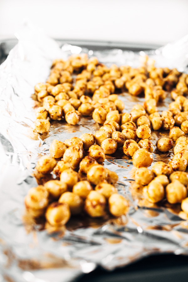 crispy chickpeas for balsamic summer mixed green salad