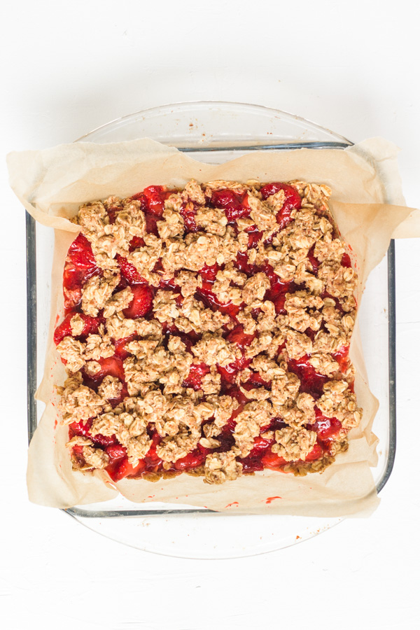before baking the vegan strawberry crumble cake