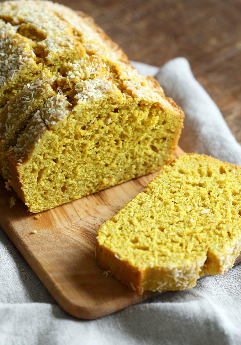 Vegan-coconut-turmeric-bread-veganricha-7242-001