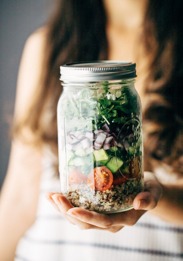 Easy Healthy Greek Salad In a Jar With Quinoa Recipe | Sprouting Zen