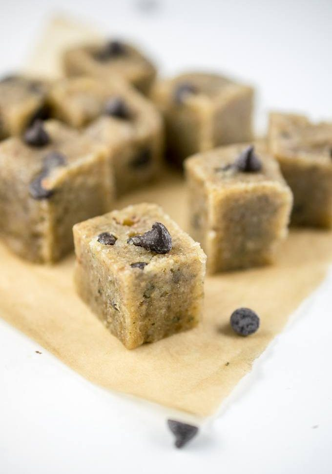 healthy-vegan-cookie-dough-chocolate-chip-raw-sugar-free-1