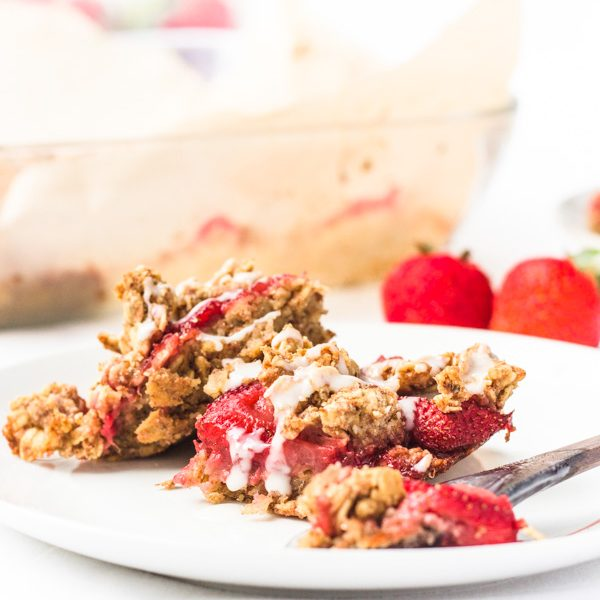 homemade vegan strawberry crumble cake bars recipe (8 of 10)