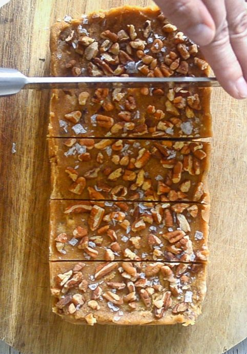 salted-maple-pecan-vegan-fudge-10